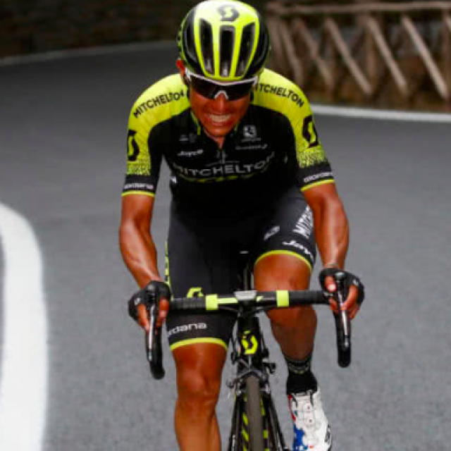 Jump the stage Chaves and soon also the Giro.