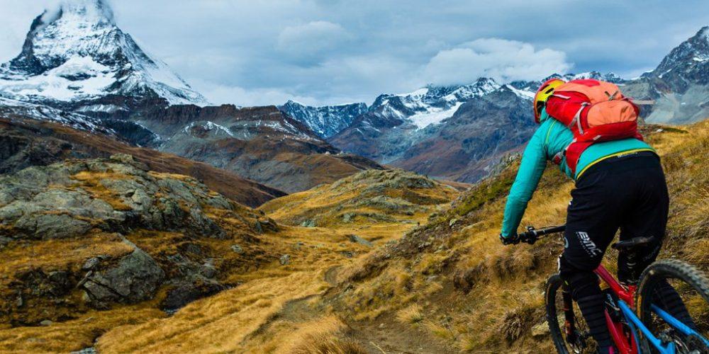 Singletrack Switzerland: Pilotando a la sombra del Cervino