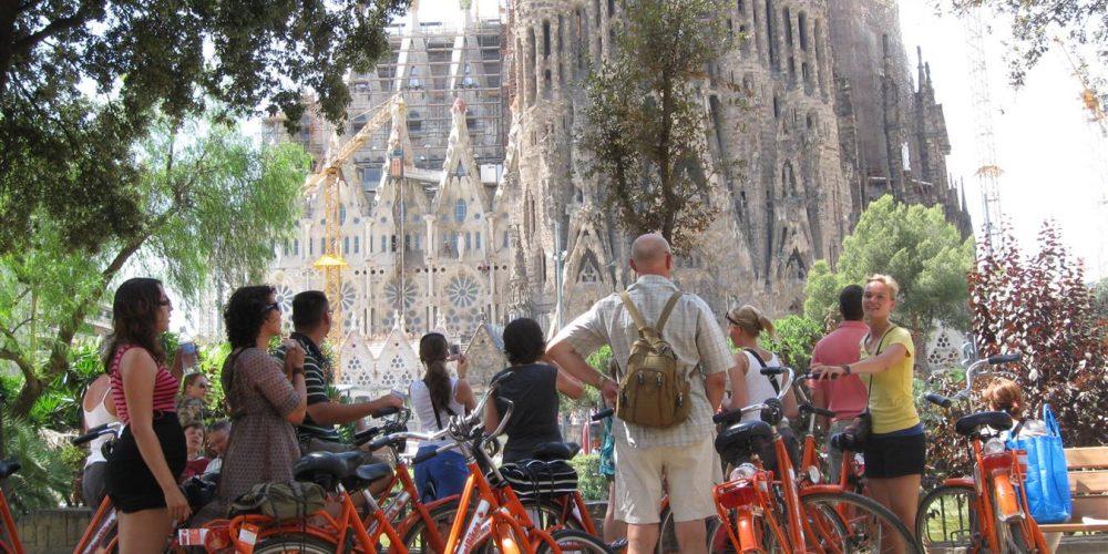Barcellona pronta a triplicare le sue piste ciclabili entro il 2018
