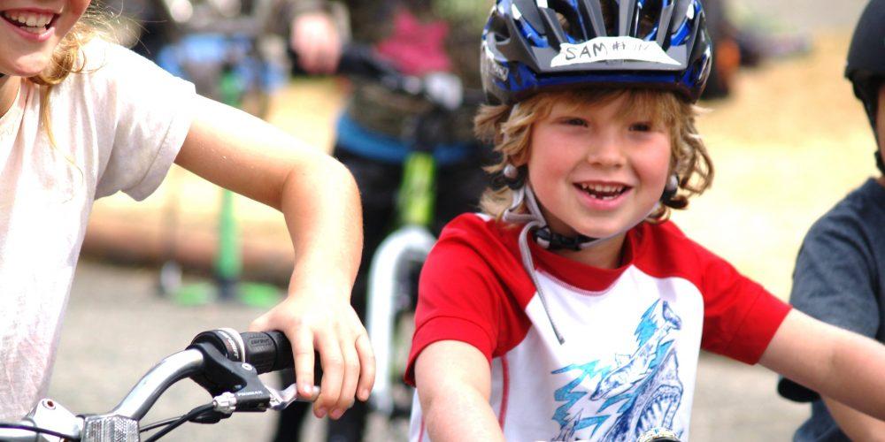 Niños a clase de ciclismo. Sucede en las escuelas de Washington