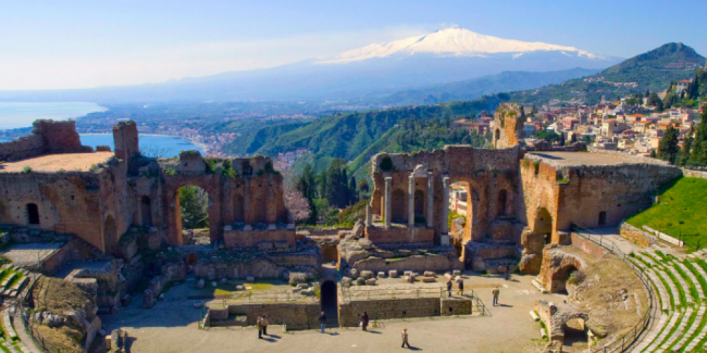 #INGIRO: TAORMINA A MASTERPIECE ON THE ROUTE TO MESSINA