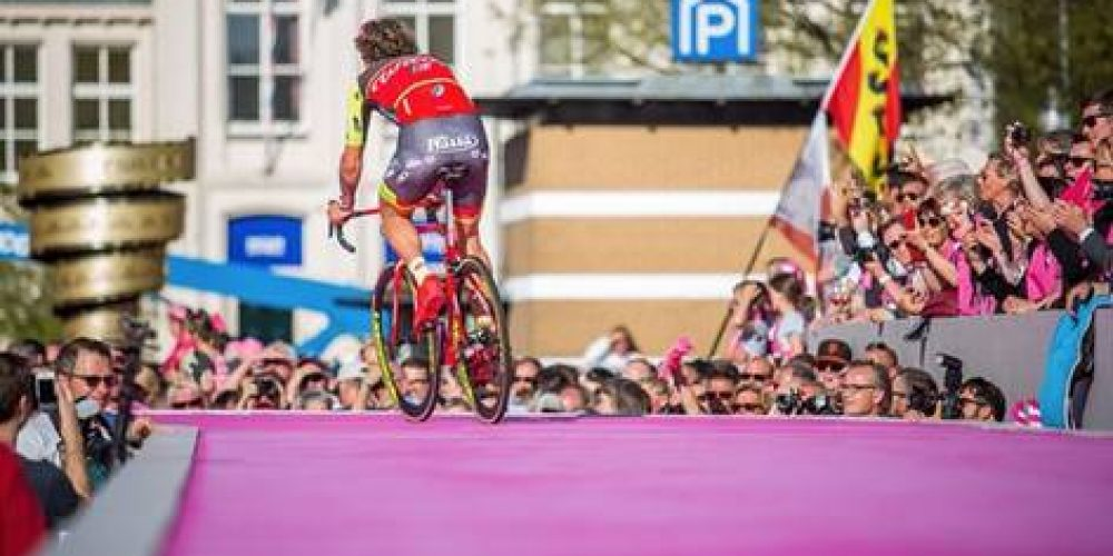 GIRO D'ITALIA: THE PINK ADVENTURE OF WILIER – TRIESTINA HAS STARTED